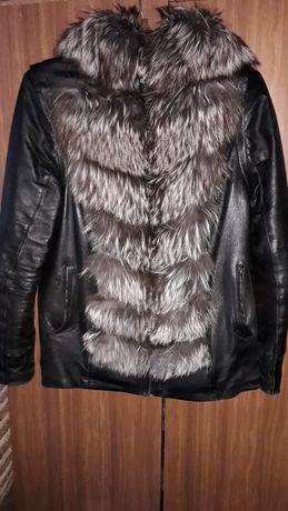 Теплая кожаная куртка-жилетка  с мехом чернобурки