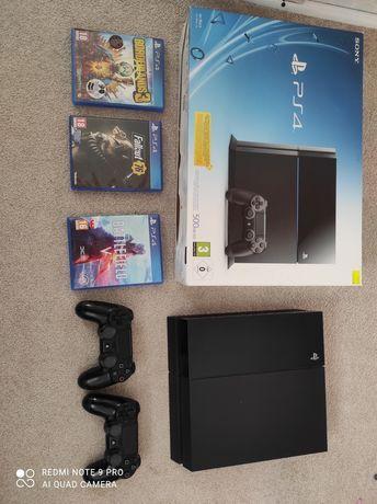 PlayStation 4 FAT + gry