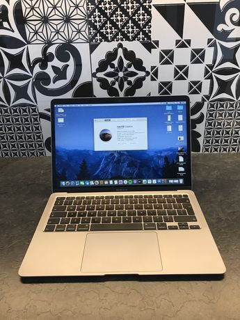 Macbook Air 13 2020 intel core i5 8 RAM 256 GB