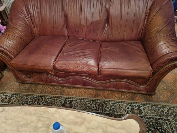 Conjunto de sofás em pele genuína
