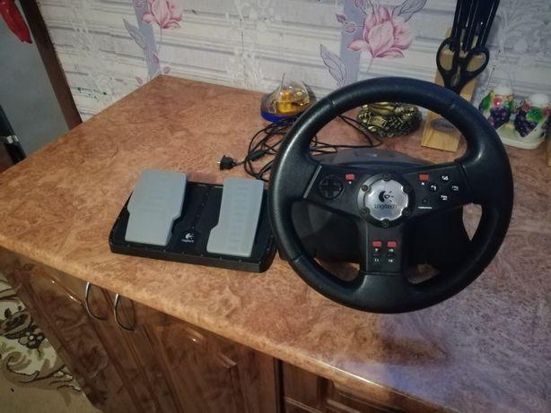 Руль и педали к компьютеру.