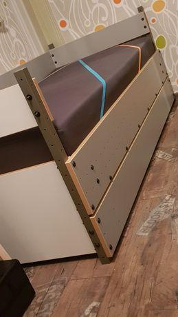 Łóżko z materacem kieszeniowym firmy Vox