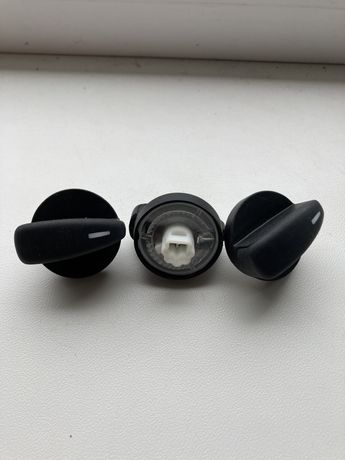 Форд Фокус 2014 ручки кондиционера , печки и вентилятора