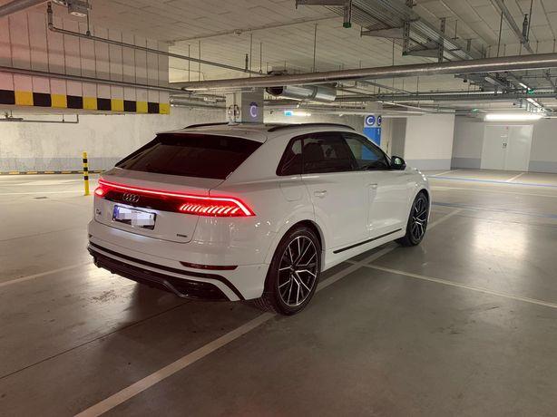 Auto do Ślubu Białe Audi Q8 Nowoczesne i Eleganckie