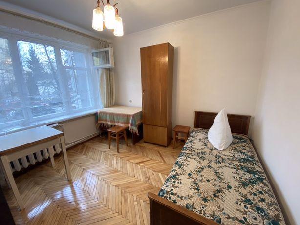 Ізольована кімната для хлопця вул. Наукова (магазин «Нептун»)