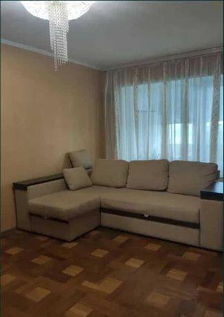 Продам трех  комнатную квартиру по ул.Богдана Завады