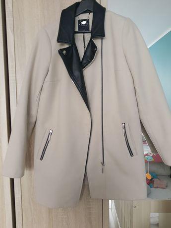 Elegancki płaszcz Mohito