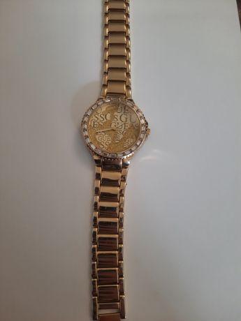 Часы Guess водонепроницаемые