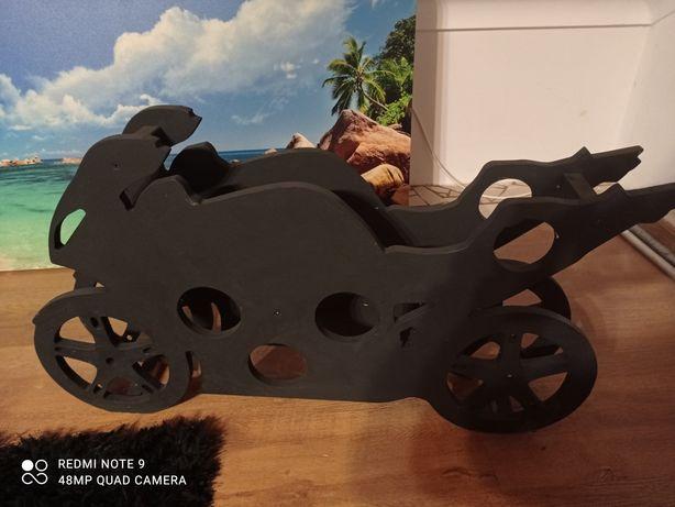 Oryginalny stojak na wino ścigacz/motocykl
