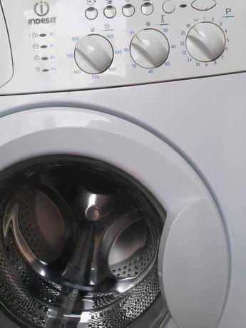 Продається пральна  індезіт в робочому стані  з гарантією