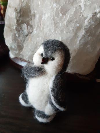 Пингвинёнок из шерсти. Интерьерная игрушка. Подарок. Сувенир. Валяние.