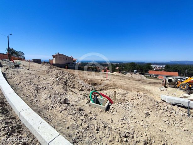 Lote para construção de moradia isolada
