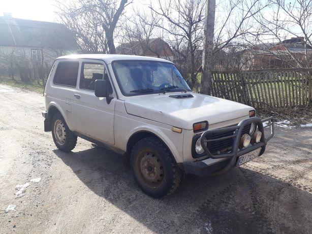 Автомобіль ВАЗ 2121 НИВА