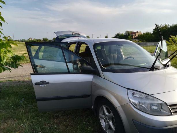 Продам семейное авто