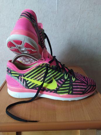 Кроссовки Nike Free Tr Fit.5.Nike Free для занятий фитнесом.