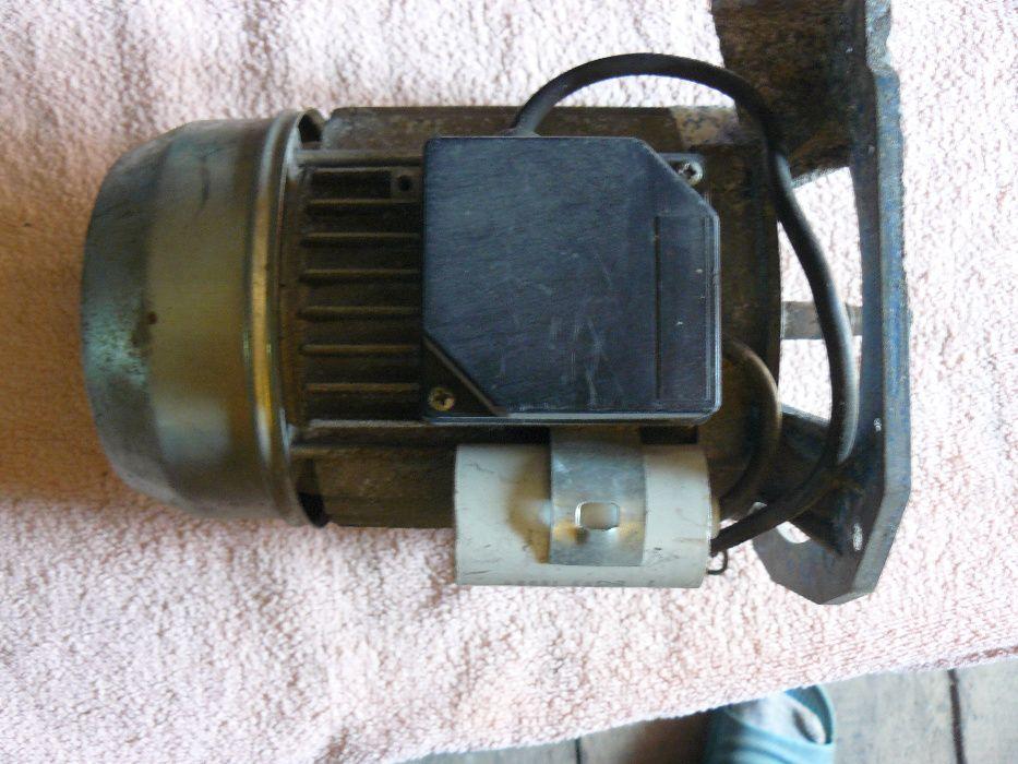 Silnik elektryczny 230/380V obroty 2880/min. Nowa Sól - image 1