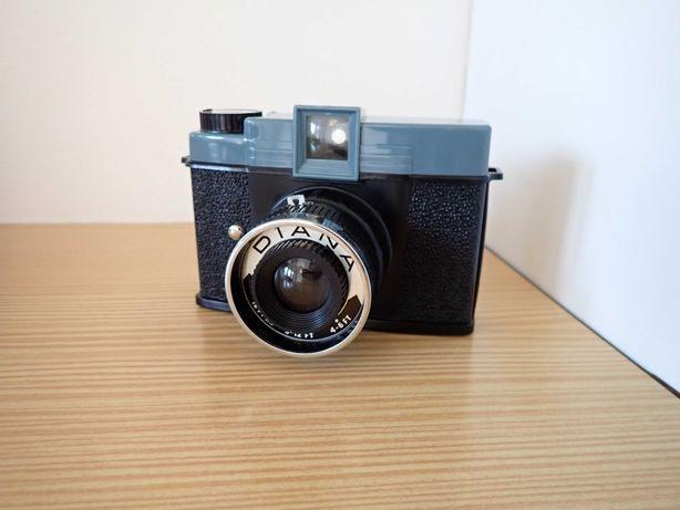 2 Máquinas Fotográficas Antigas - Lomo Diana e Kodak Instamatic 133-X