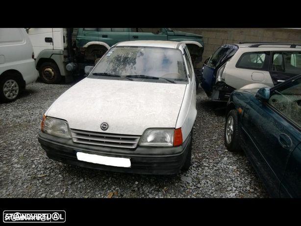 Opel Kadett Caravan para peças
