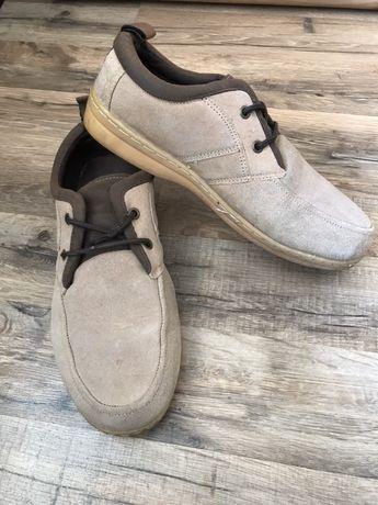 Замшевые спортивные туфли р.41