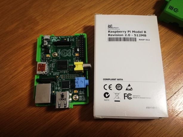 Raspberry Pi Modelo B, Revisão 2.0 - B com caixa