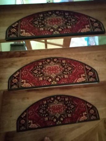 Osłonki na stopnie schodów