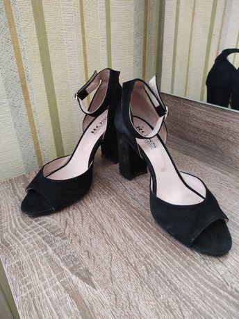 Туфли в черном цвете
