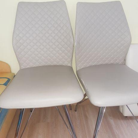 Krzeselka cztery szt