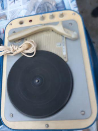 Sprzedam stary gramofon