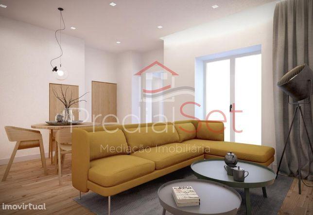 Apartamento T2 Duplex Remodelado - Alcântara - Lisboa