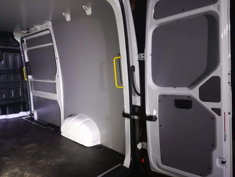 Zabudowa przestrzeni ładunkowej paki busa do samochodu VW Crafter L3H3 Gorzów Wielkopolski - image 1