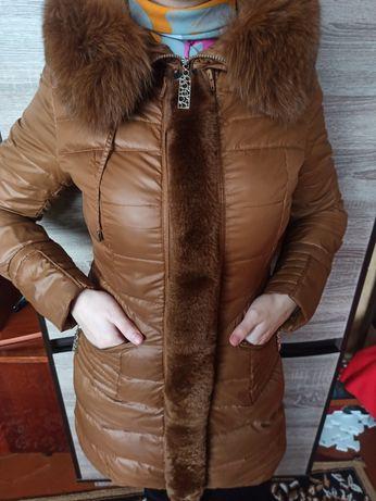 Куртка- пуховик з натуральним хутром