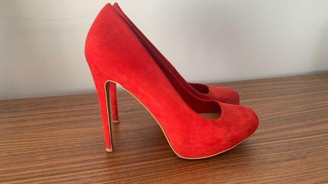 Sapatos Bershka Vermelhos