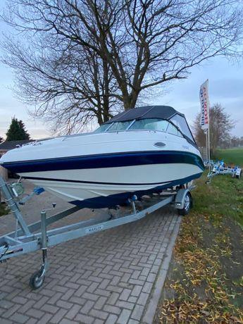 Jacht motorowy Celebrity, motorówka, łódź kabinowa