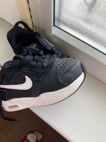 Кроссівки nike дитячі / дитяче взуття 23 розмір