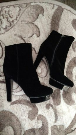Ботинки женские черные замш41 р.