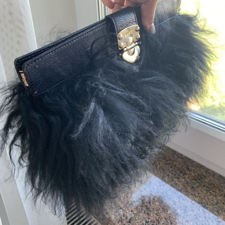 Клатч DKNY , не Michael Kors, Louis Vuitton