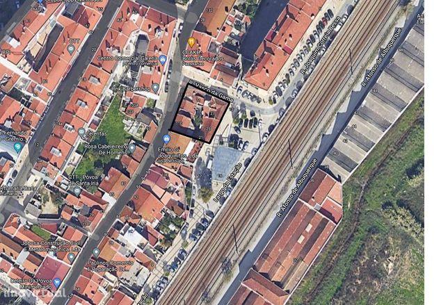 Terreno Urbano com Projeto Aprovado para Construção de Prédio - Póvoa