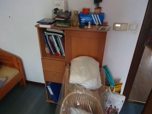 Oddam meble szafy,regały,łóżka, biurka
