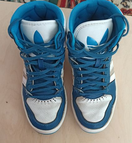 Кроссовки на мальчика Adidas 36 размер. Кроссовки 36 размер.