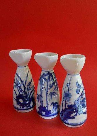 Японские фарфоровые бутылочки для сакэ