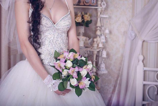 Свадебное платье с камнями Сваровски и вышивкой