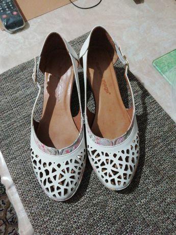 Туфли женские кожа.  39 р