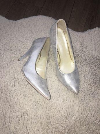 Buty ślubne 38