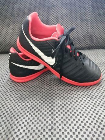 Buty halowe sportowe Nike rozm. 37,5