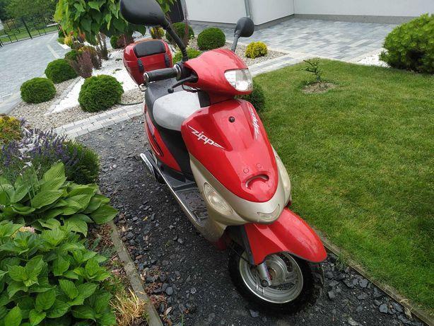 Motorower-skuter ZIPP
