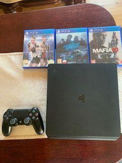 Konsola PlayStation 4 Slim