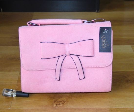Różowa torebka kuferek venezia torba skorzana skora zamsz kazar mohito