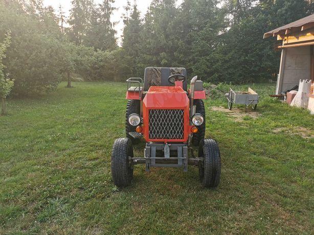 Traktor SAM - silnik Turbo