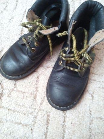 Продам ботинки для мальчика ,натуральная кожа ,стелька 18,5см.,отлично