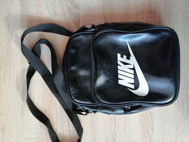 Sprzedam torebkę Nike